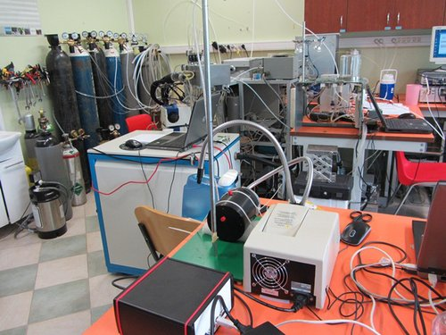 Plant ecophysiology lab at Estonian University of Life Sciences, set to measure photosynthesis